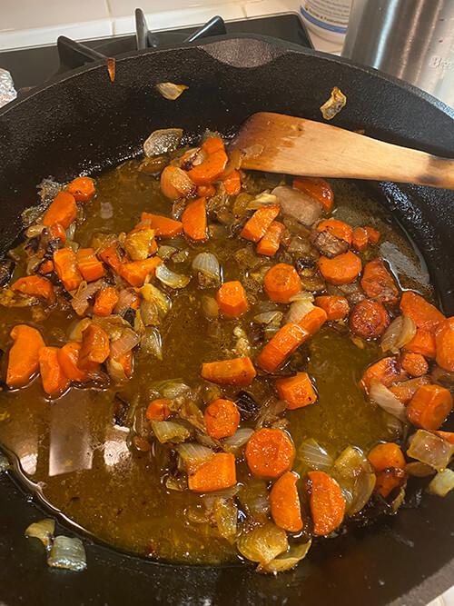gravy cooking